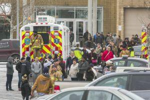 Tres muertos en tiroteo en centro comercial de Maryland