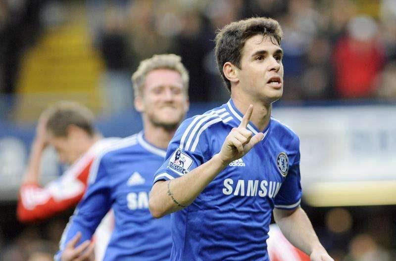 Oscar propicia el pase del Chelsea a octavos; Rodallega salva al Fulham