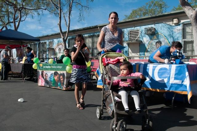 Feria educacional en Pacoima por el éxito de los hijos