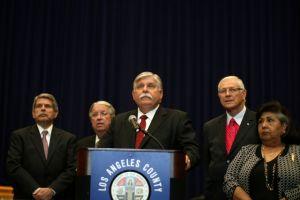 Nuevo Sheriff de LA promete recuperar confianza del público
