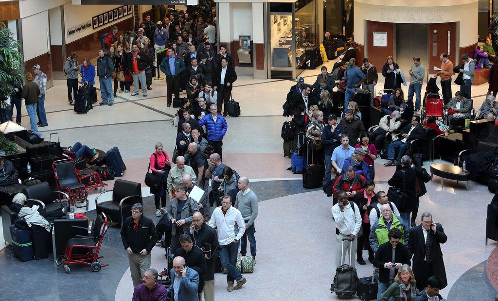 Así lucían las salas del Hartsfield-Jackson Airport de Atlanta. Los Pistons no pudieron viajar a la ciudad.