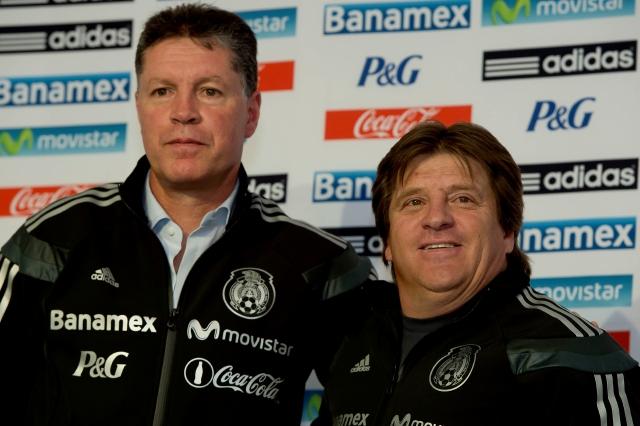 Ricardo Peláez y Miguel Herrera  hablarán en Europa con los jugadores mexicanos que tienen en sus planes para  el Mundial de Brasil.