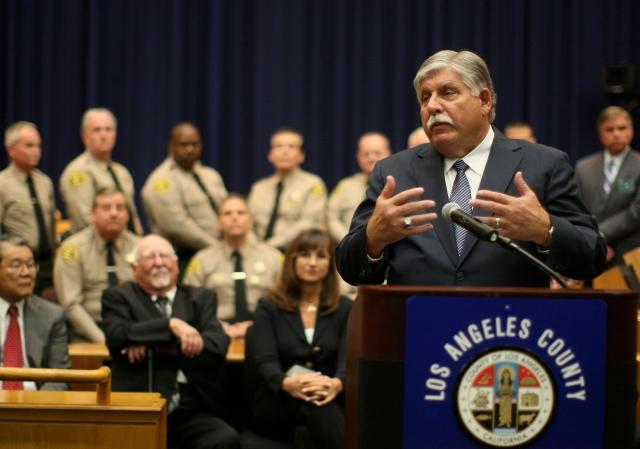 John L. Scott, el nuevo alguacil interino de Los Ángeles, durante la ceremonia de juramentación de ayer.