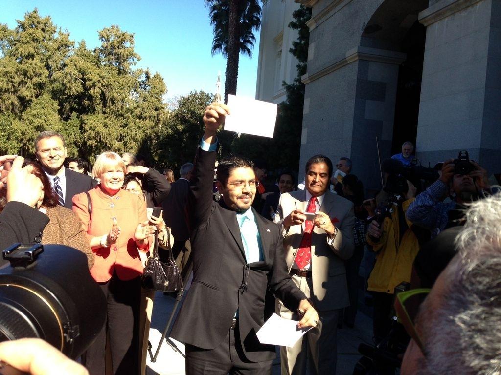 Indocumentado juramenta como abogado en California