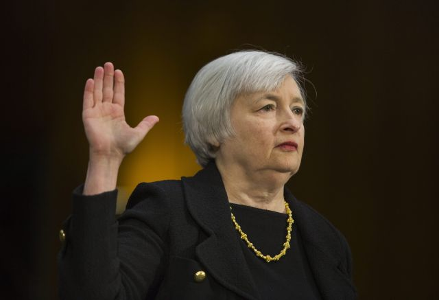 Juramenta primera mujer como presidenta de la Reserva Federal