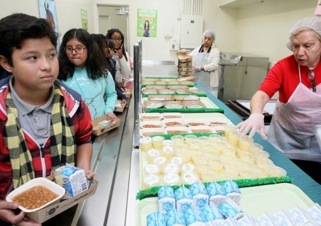 LAUSD promueve un día sin carne en sus escuelas