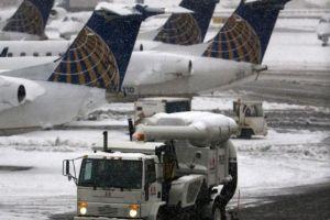 Tormenta Nika afecta más de 4,000 vuelos en EEUU
