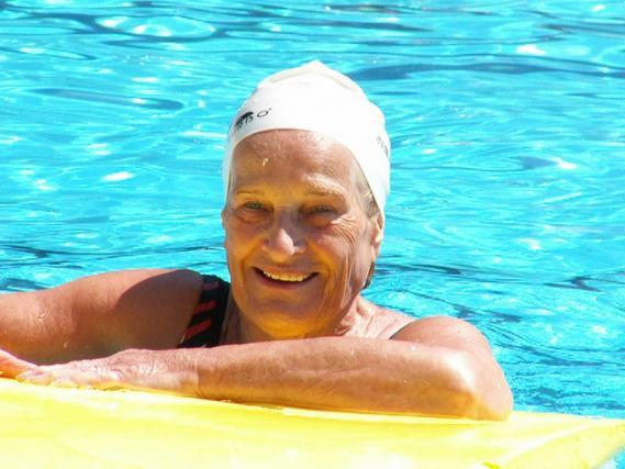 como aprender a nadar cuando eres adulto