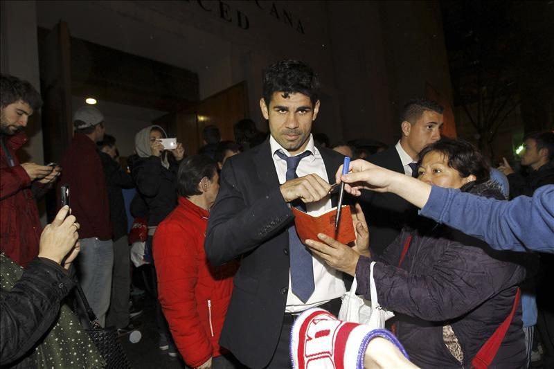 El Atlético de Madrid despide a Luis Aragonés