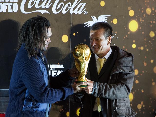 El trofeo de la Copa del Mundo llegó a México