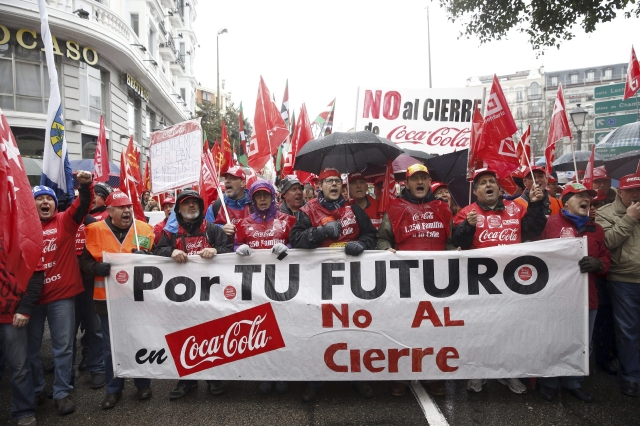 Cierran plantas de Coca Cola