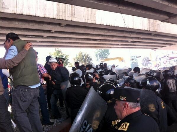 Reprimen protesta en Cumbre de Presidentes en México