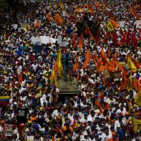 Gigantesca marcha  en contra de Maduro