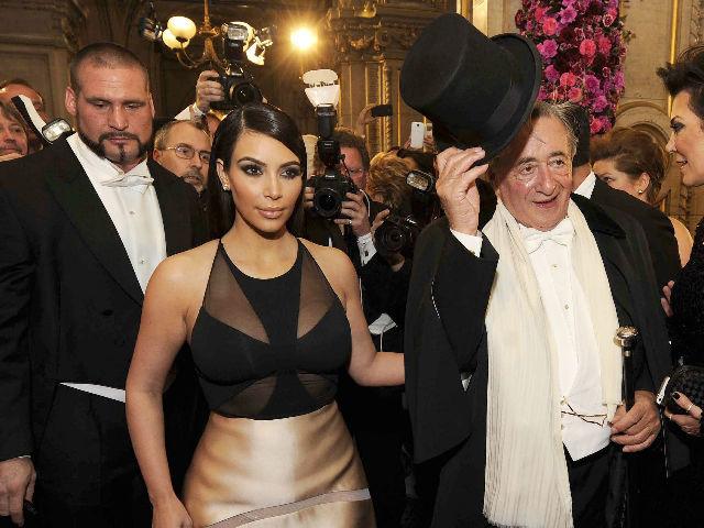 Kim Kardashian deslumbró la Ópera de Viena con su presencia