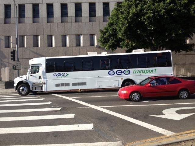 """Autobuses """"turísticos"""" esconden indocumentados detenidos"""