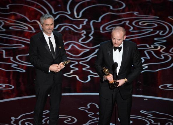 Alfonso Cuarón gana primer Oscar, pero no le dejan hablar
