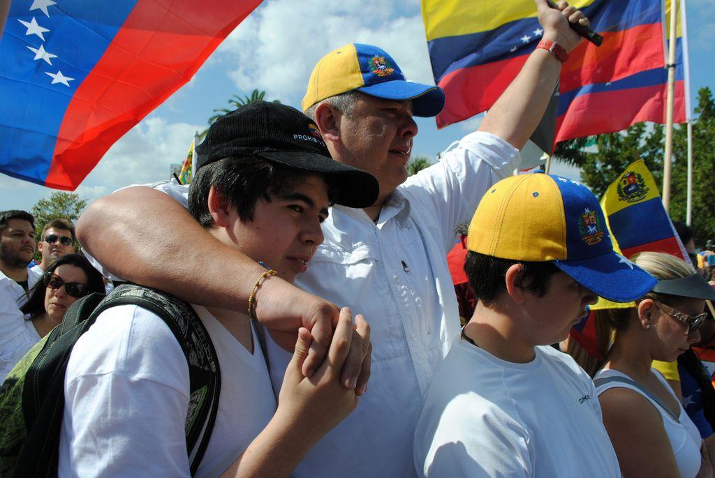 Venezolanos en Miami protestan contra Maduro