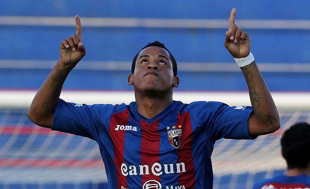 Cuatro goles de Arroyo dan victoria al Atlante sobre el Querétaro