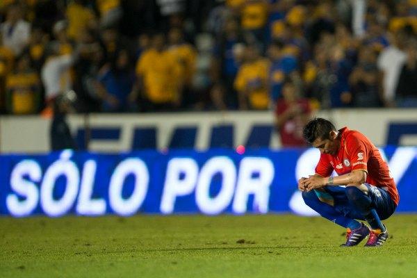 Tigres pone fin al invicto de Cruz Azul; 3-0 (Video)