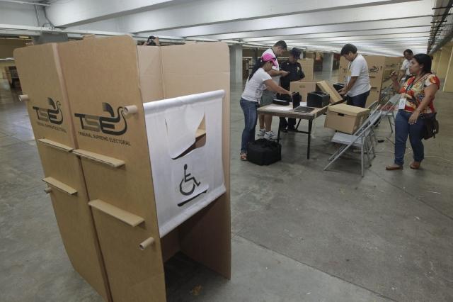 El Salvador sale a votar