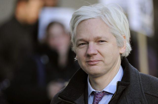 """Assange denuncia la """"militarización"""" de Internet"""