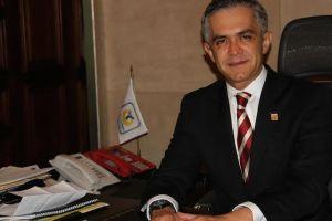 Busca inversión de mexicanos en EEUU alcalde de México D.F.
