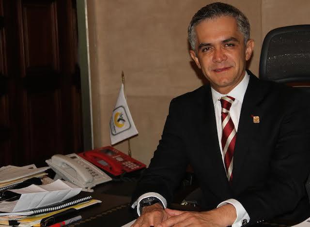 El alcalde de Ciudad de México busca inversión de mexicanos en EEUU y viajará a Los Ángeles para promover sus proyectos.