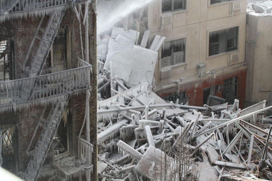 Clima afecta labores de rescate en East Harlem
