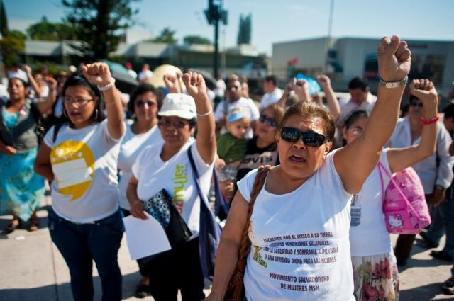 El Salvador dividido