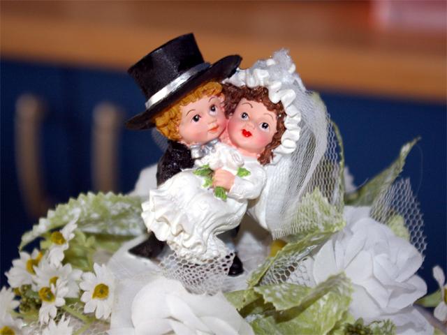 Una novia no puede dejar de reír en su boda, ¡mira el vídeo!