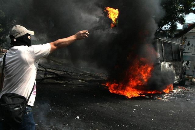 Siguen protestas en Venezuela