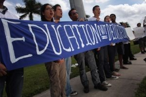 Subcomité senatorial de Florida aprueba DREAM Act