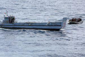Italia rescata a 596 inmigrantes en aguas de Lampedusa