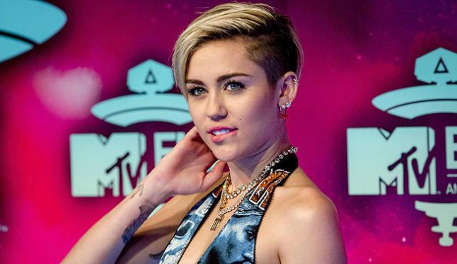 Miley Cyrus celebró el Día de San Patricio bailando 'Twerking'