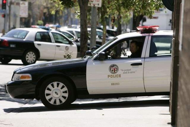 Oficial de LAPD demandado por presunto abuso sexual
