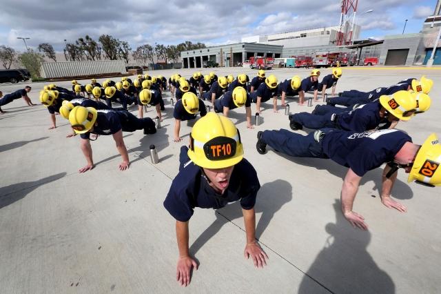 Paran contratación de bomberos