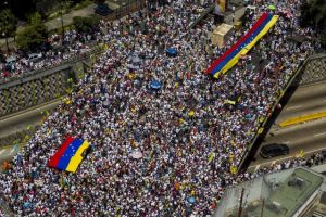 Oposición toma las calles