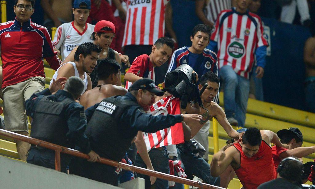 El cáncer de la violencia en el fútbol mexicano (video)