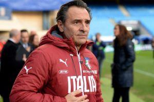 Italia da dos años más a  Prandelli