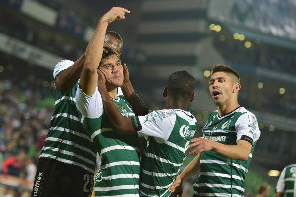 Santos golea 4-1 a Peñarol y avanza en la Libertadores (Video)