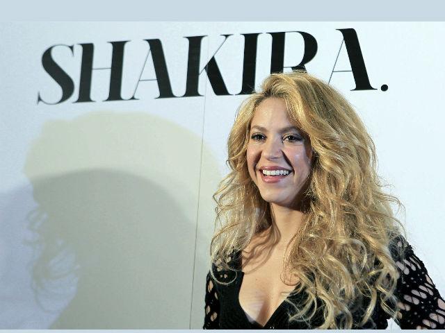 Shakira enamora a España cantando en catalán