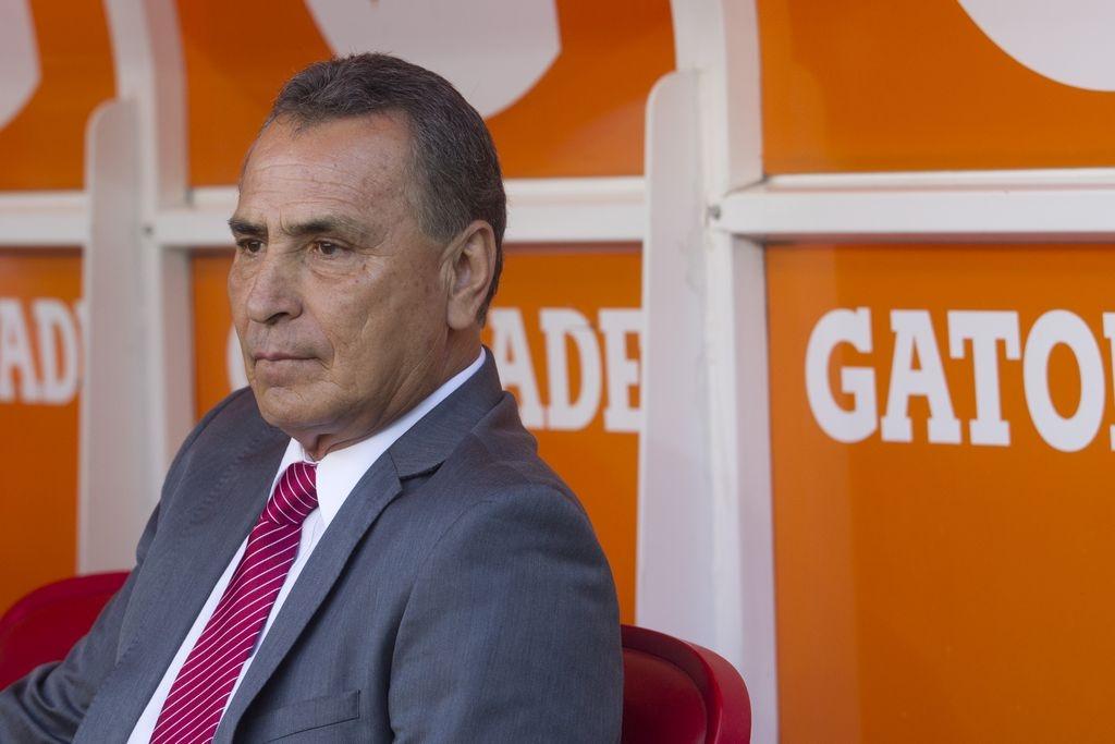 Despiden a 'El Güero' Real como director técnico de Chivas