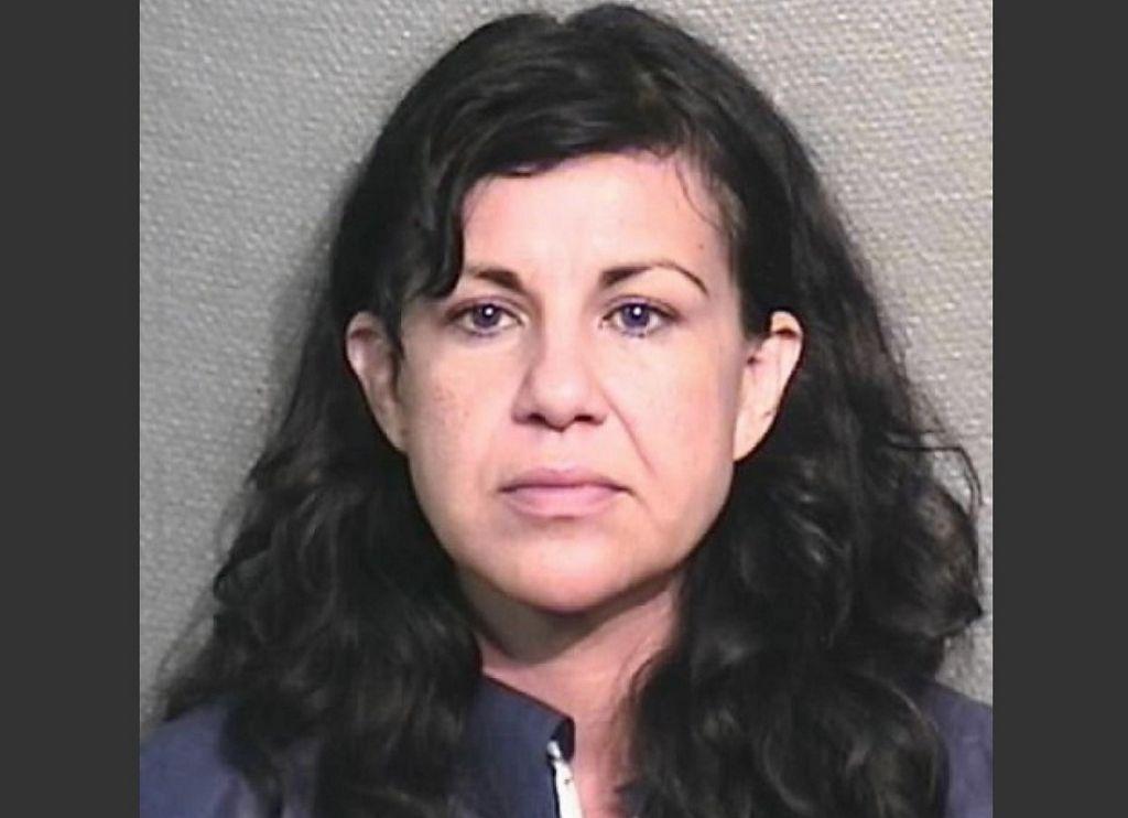Enjuician hispana en Texas por matar novio a taconazos