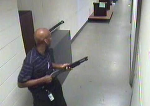 Aaron Alexis, quien disparó en el Navy Yard en Washington en el 2013 matando a 12 personas, tenía problemas mentales.