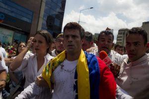 Piden liberación de    López