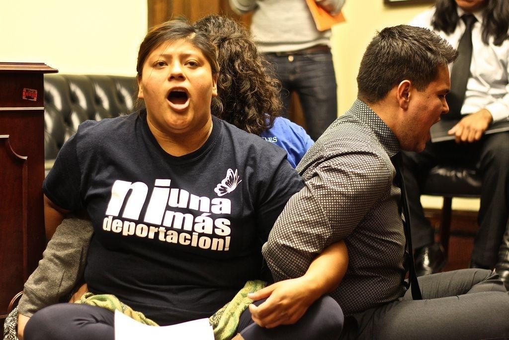 Activistas arrecian protestas contra las deportaciones
