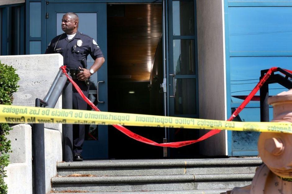 Identifican a hombre que atacó a balazos estación de Policía en Los Ángeles