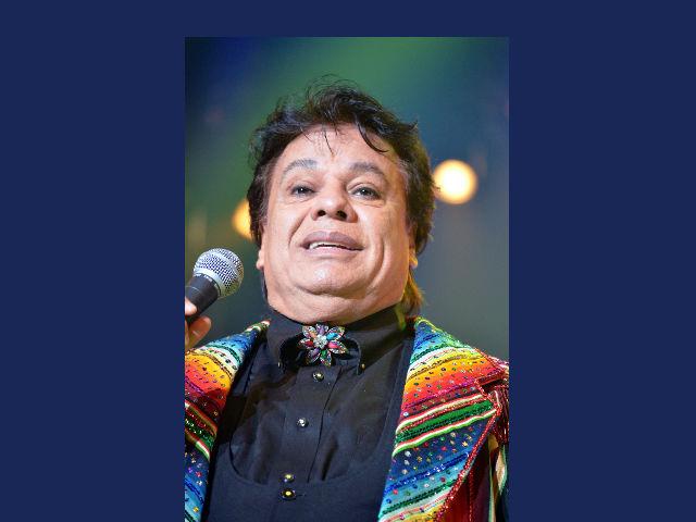 Juan Gabriel se recupera y anuncia nuevas fechas de conciertos
