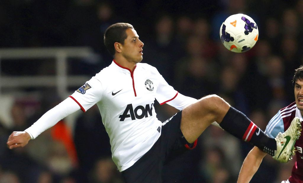 Ex goleador del Arsenal aconseja fichar a 'Chicharito'