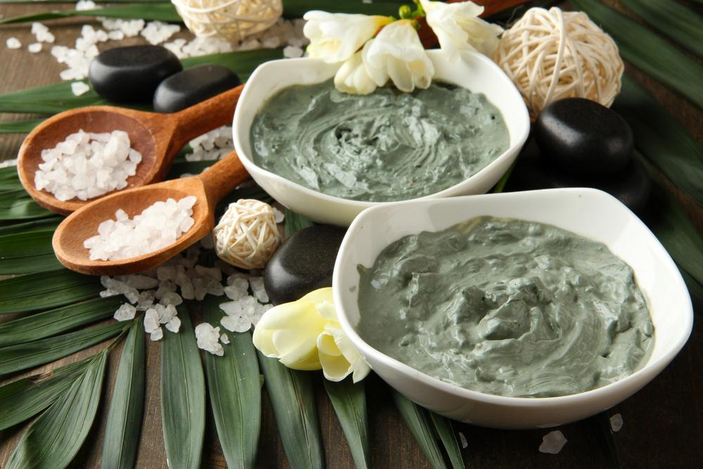 La arcilla verde puede usarse en mascarillas o consumirse con agua.